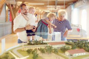 Megújuló energiák terepasztal a Futurában, családi program